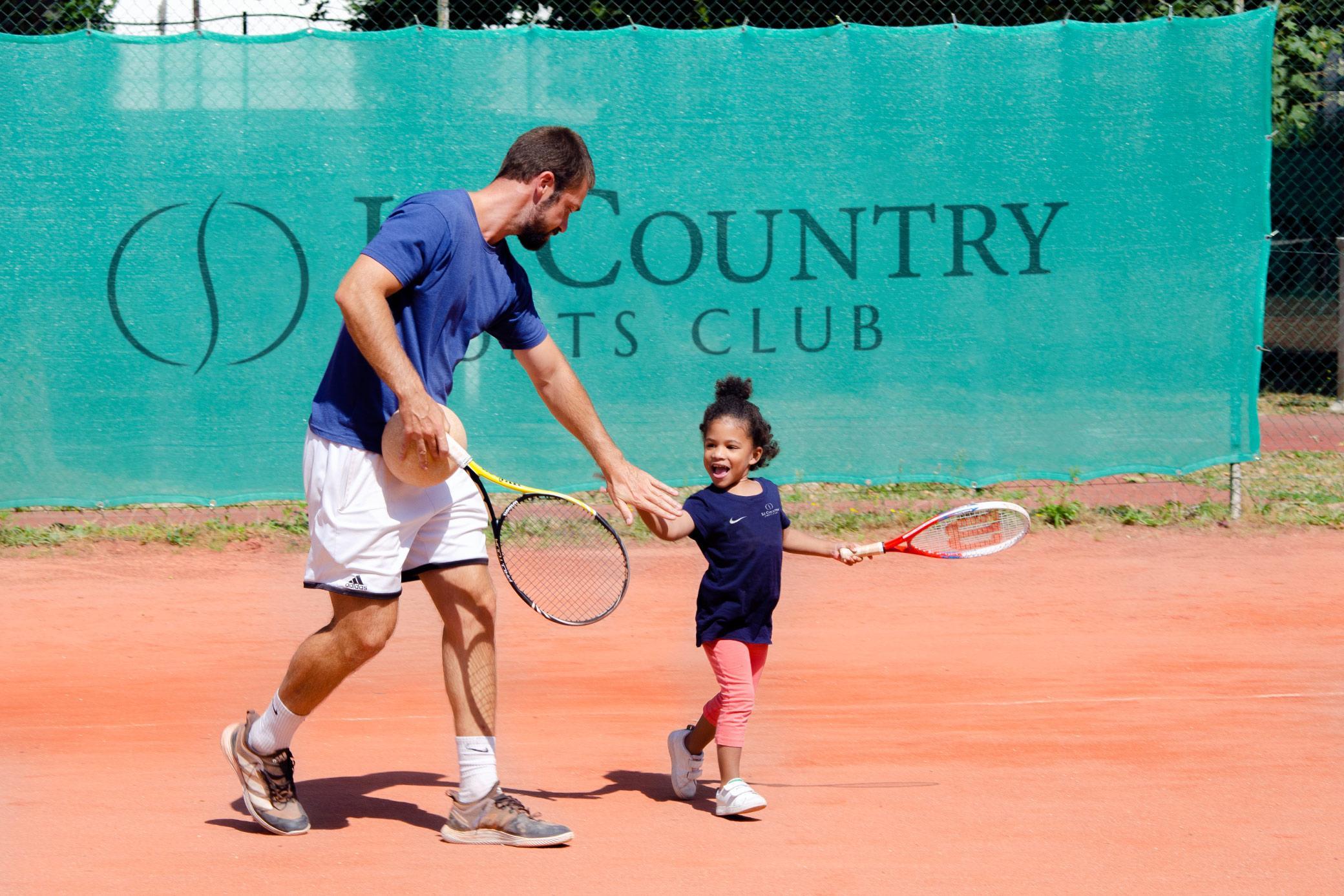 Une offre tennis pour tous les âges